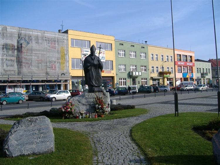 Oborniki Pomnik Jana Pawła Ii Atrakcje Turystyczne Obornik