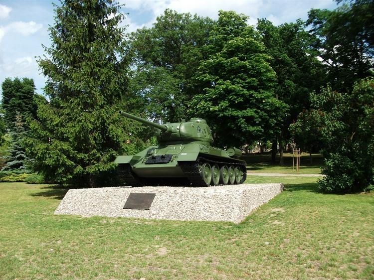 Pomnik Czołg T-34 w Czarnkowie