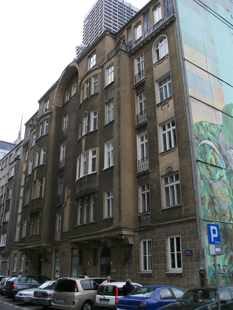Warszawa kamienica pod aglowcem atrakcje turystyczne for Mural warszawa 44