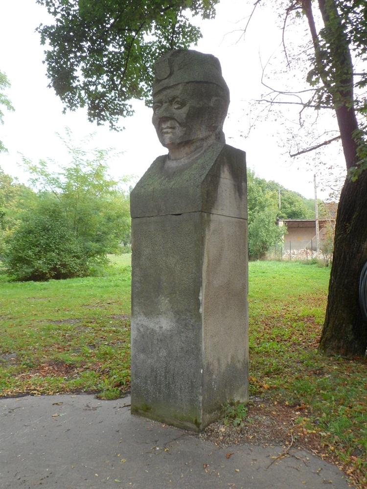 Pomnik Zygmunta Berlinga w Poznaniu