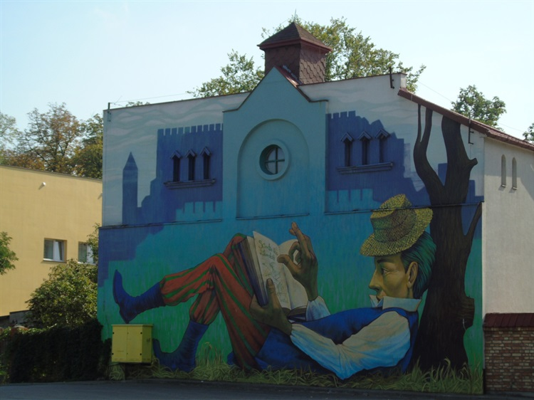 Owicz mural ksi ak z ksi k atrakcje turystyczne for Mural legionowo